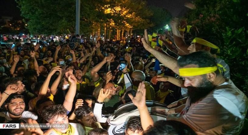 شادی مردم شیراز بعد از صعود به لیگ برتر